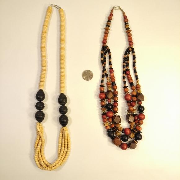 Jewelry - 2 Women's Necklaces